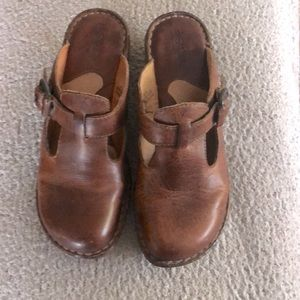 Born Clogs